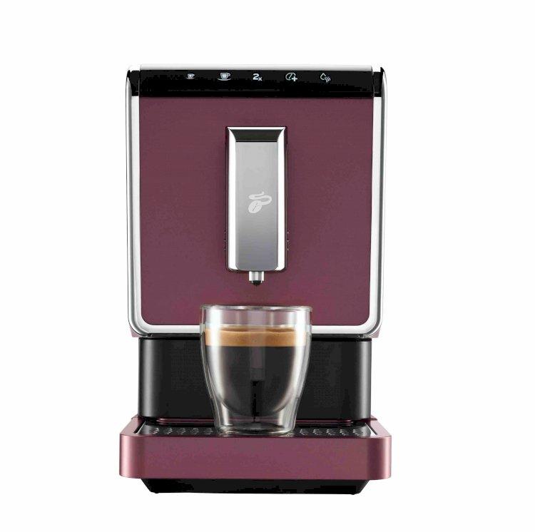 Kahve tutkunlarına barista uzmanlığında kahve deneyimi Tchibo Esperto Caffe Dark Red ile kahveler tam kıvamında